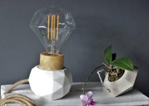 lampa ręcznie robiona betonowa