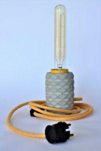 ręcznie robiona lampa